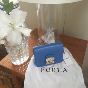 NWTO. Furla crossbody bag. Blue. Gold hardware.
